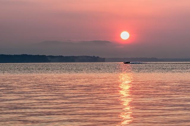 Leesylvania-Sunrise-Bass-Boat-2
