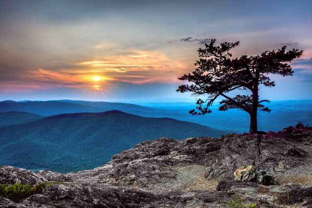 Sunset-at-Ravens-Roost-on-Blue-Ridge-Parkway-2