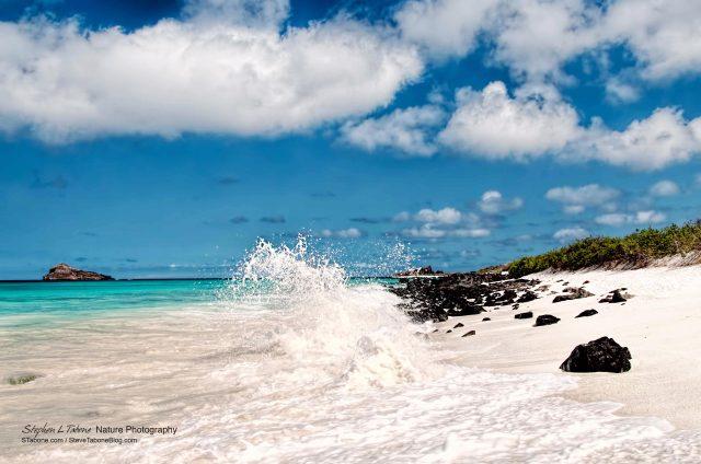 Espanola-Island-Wave-Galapagos-wL